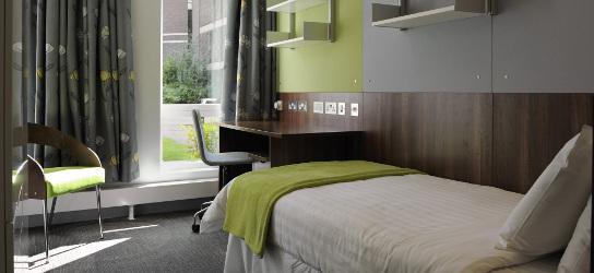 Superior semi en-suite room