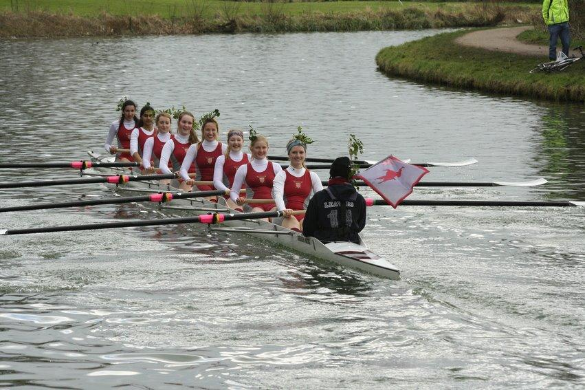Womens VIII in the Lent Bumps